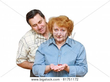 Old Couple,wife Hold  A Small Heart.