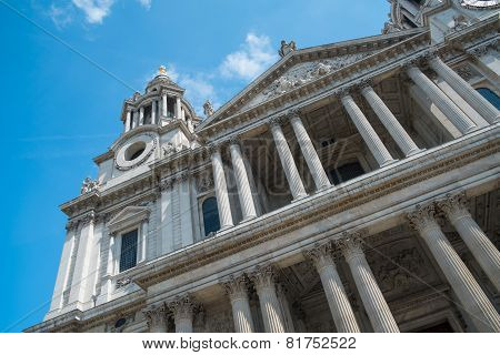 Front View Of St Pauls Cathedral London