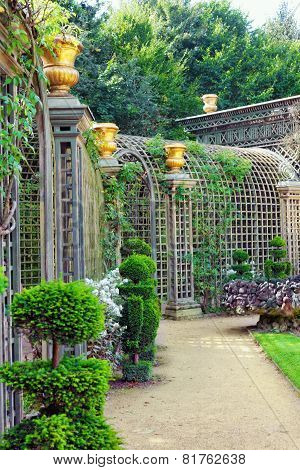 Versailles France - September 21 Green Archway In A Garden  Chateau De Versailles, France On Septemb