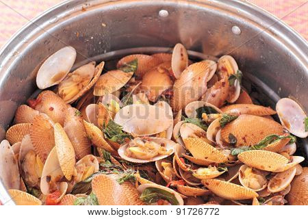 Fried Shell In Curry Sauce - Surf Clam