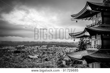 Cloudy Fujisan at chureito pagoda . .