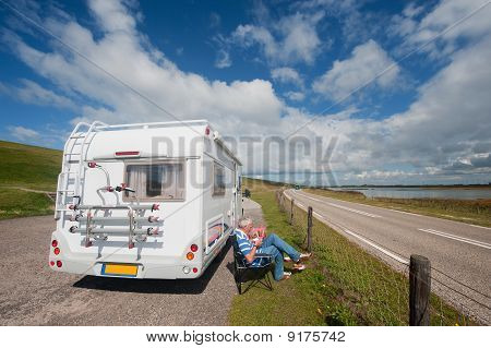 Traveling By Mobil Home