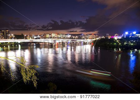 BRISBANE, AUSTRALIA - 27 MAY 2015: The inner-city of Brisbane view from Kangaroo point.