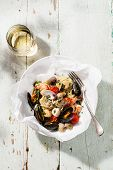 foto of clam  - Seafood pasta and wine  - JPG