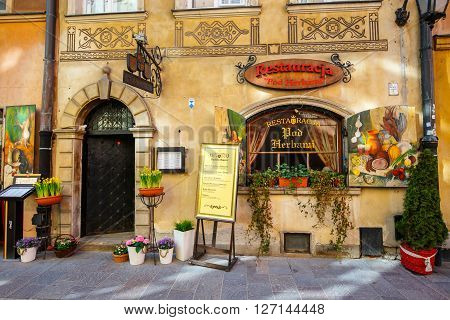 Warsaw, Poland, 13 March 2016: Restaurant In Old Town In Warsaw In A Sunny Day. Warsaw Is The Capita