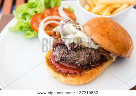 Beacon Cheese Burger With Fries