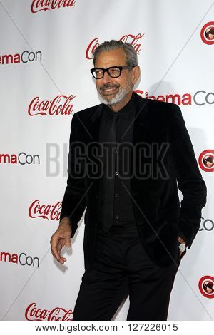 LAS VEGAS - APR 14:  Jeff Goldblum at the CinemaCon Awards Gala at the Caesars Palace on April 14, 2016 in Las Vegas, CA