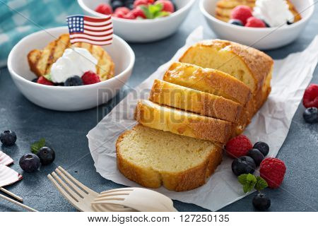 Grilled pound cake with fresh berries for an oudoor summer party on 4th of July
