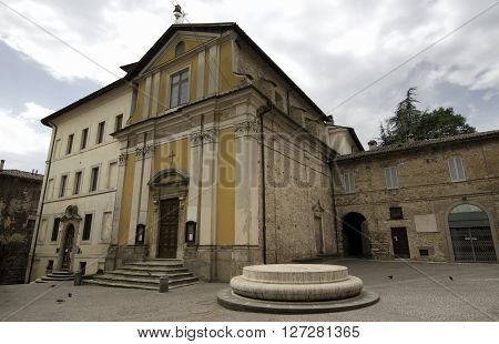 Piazza San Rufo in Rieti is traditionally considered to be the exact centre of Italy (Latin Umbilicus Italiae)