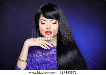 Hair. Makeup. Beautiful Brunette Girl. Healthy Straight Long Hairstyle. Elegant Woman With Manicured