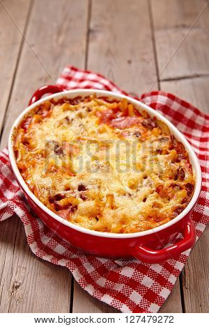 Easy macaroni casserole with lean ground beef