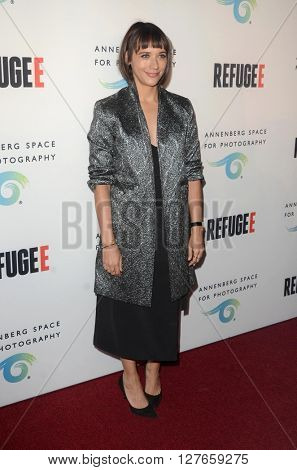 LOS ANGELES - APR 21:  Rashida Jones at the Annenberg Space for Photography presents REFUGEE at the Annenberg Space for Photography on April 21, 2016 in Century City, CA