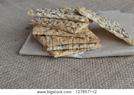Crunchy cookies with sunflower and sesame seeds
