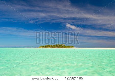 Dreamlike Travel Destination, Turquoise Water Of Aitutaki, Cook Islands