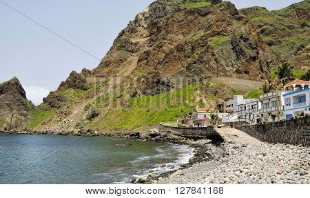Homes By The Beach And Cliff