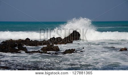 Morning Surf Breaks On Rocks Of Puako Beach - 4