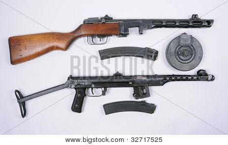 Russian PPsH 1941 and PPS 1943 guns
