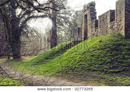 Cammo House ruins