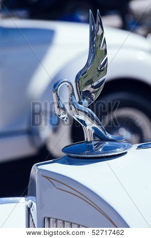 Hood ornament of a 1935 Packard automobile