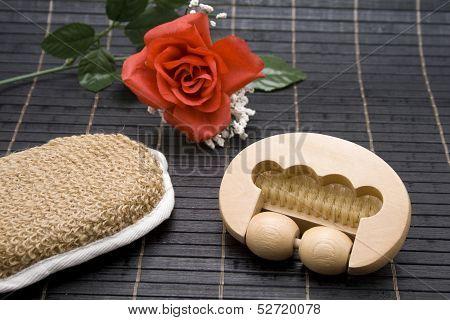 Massage role with sponge