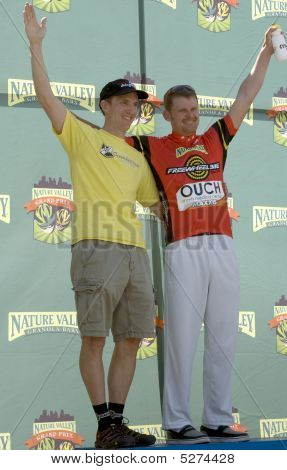 Landis On Podium For Most Aggressive Rider Jersey
