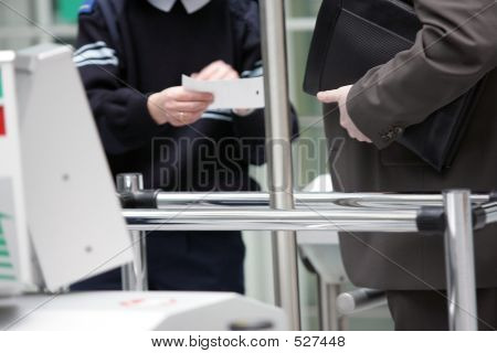 Your Ticket Please - Bitte Ihre Karte
