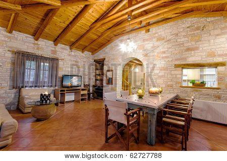 Luxury Traditional Style Villa