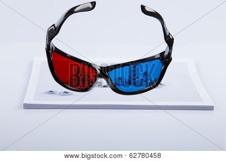 3D Print: Black 3D Anaglyphic Red Blue Glasses And Paper Printed Bolts