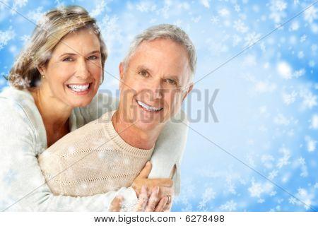 Winter älteres Ehepaar