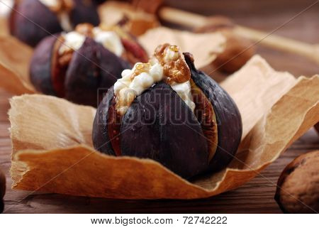 Baked Figs With Cheese,walnuts And Honey