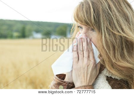 Woman on wheat Big Smile Allergy