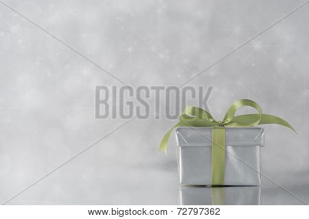 Silver Gift - Green Ribbon