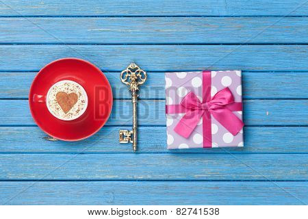 Cappuccino, Key And Gift Box