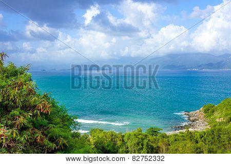 Bay under the mountain, Vietnam