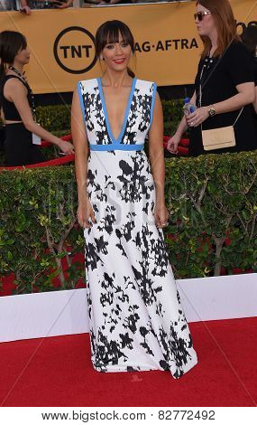 LOS ANGELES - JAN 25:  Rashida Jones arrives to the 21st Annual Screen Actors Guild Awards  on January 25, 2015 in Los Angeles, CA