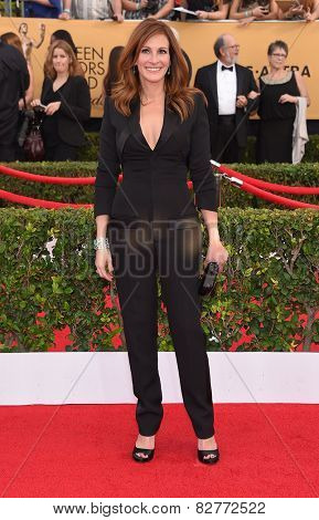 LOS ANGELES - JAN 25:  Julia Roberts arrives to the 21st Annual Screen Actors Guild Awards  on January 25, 2015 in Los Angeles, CA