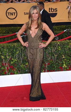 LOS ANGELES - JAN 25:  Jennifer Aniston arrives to the 21st Annual Screen Actors Guild Awards  on January 25, 2015 in Los Angeles, CA