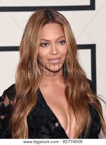 LOS ANGELES - FEB 08:  Beyonce arrives to the Grammy Awards 2015  on February 8, 2015 in Los Angeles, CA