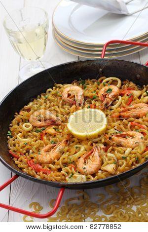 fideua de marisco, seafood pasta paella, spanish cuisine