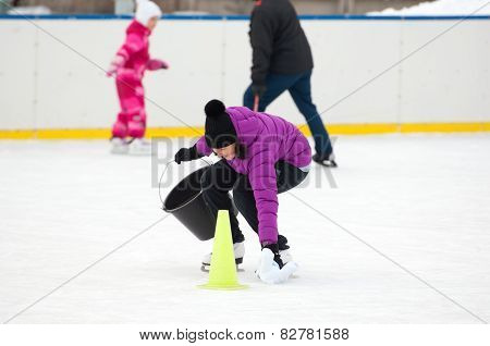 Funny Tournament On The Rink