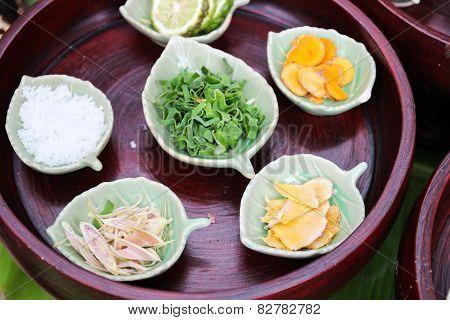 Kaffir Lime, Curcuma, Zingiber, Camphor, Pandanus