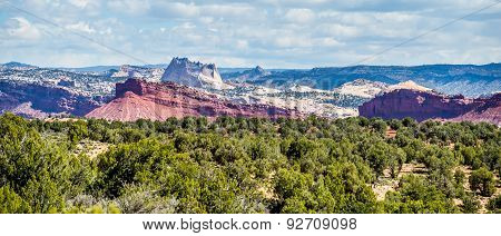 Desert Landscapes In Utah With Sandy Mountains