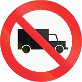 image of traffic rules  - Chilean traffic sign prohibiting thoroughfare of lorries - JPG