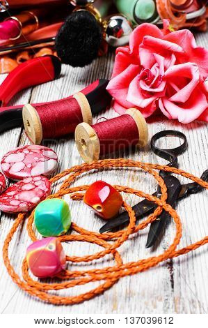 Pliers,beads, And Womens Accessories