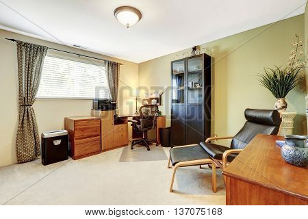 Simplistic Home Office White Interior With Carpet Floor