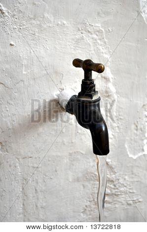 Water tap valve