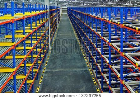 Pallet racking system for warehouse storage metal shelving distribution center