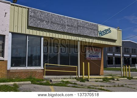 Kokomo - Circa July 2016: Former Hostess Thrift Shop after 2012 Bankruptcy. Hostess plans to go public in 2016 I