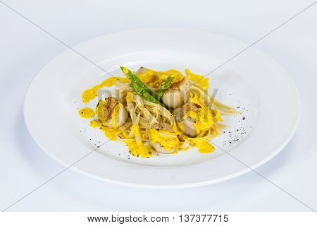 Egg Noodles with scallops;Thai food in a luxury hotel.