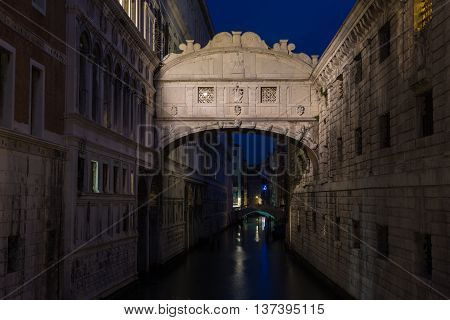 Bridge of Sighs at Doge's Palace, Venice, Italy at the night time